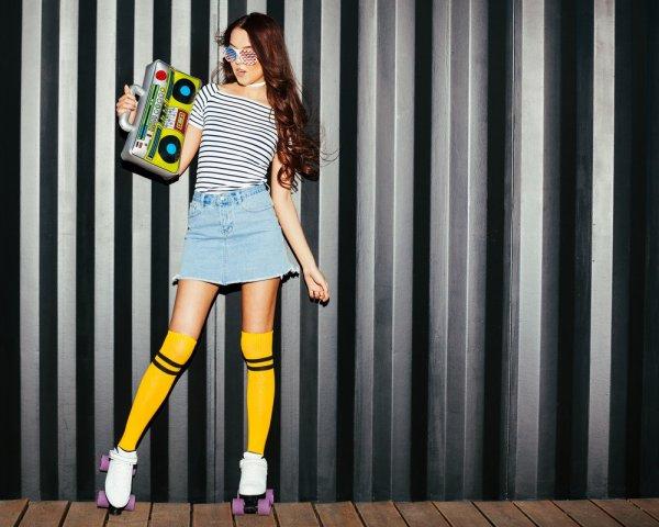 Padu Padan dan Rekomendasi Rok Jeans Keren untuk Tampil Kasual Ala Street Style