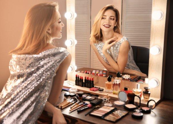 Mau Mulai Belajar Makeup tetapi Bingung? Coba Lihat Dulu 10 Rekomendasi Produk Makeup Wajib untuk Para Wanita