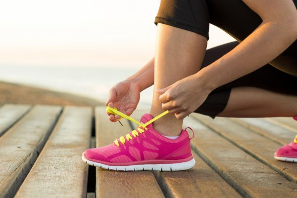 Pilihan Sepatu Sport Wanita Terbaru 2018 Berdasarkan Budget 36964d5a0a