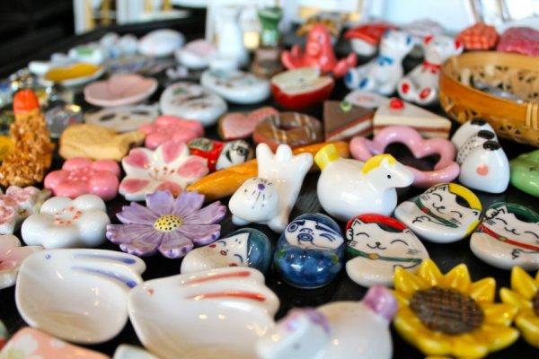 Traveling ke Jepang? Jangan Lupa Bawa 11 Rekomendasi Barang Bagus Jepang Ini Sebagai Oleh-oleh, Ya!