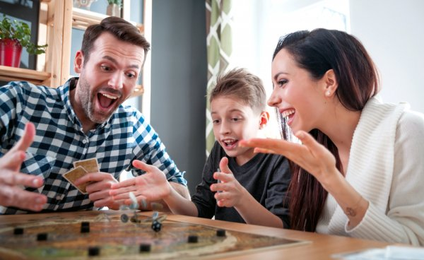Are You Bored Out of Your Mind Staying at Home 24/7? Here are Some Exciting Games You Can Play At Home with Your Family! (2020)
