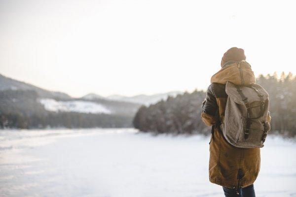10 Rekomendasi Produk Eiger Pria yang Pas untuk Mendaki Gunung (2018)