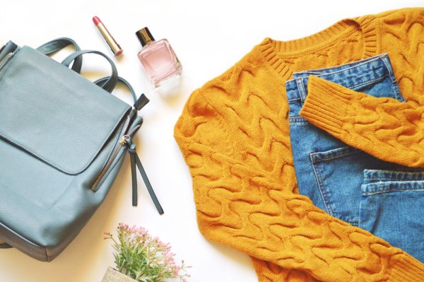 Jangan Ngaku Trendi Kalau Belum Punya Salah Satu dari 8 Rekomendasi Sweater Bershka Ini