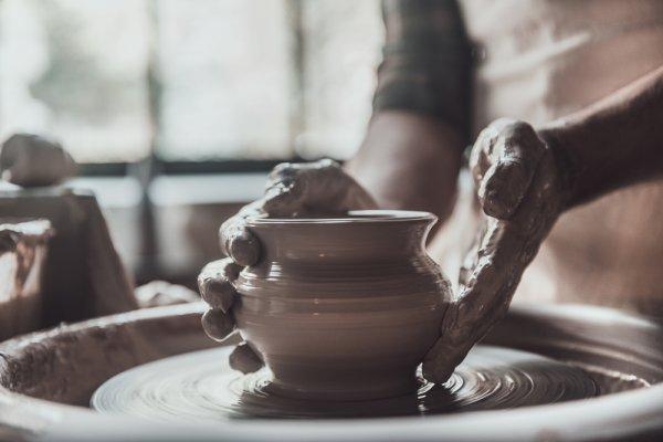 Bangga dengan Produk Asli Indonesia, 10 Rekomendasi Kerajinan Lokal Ini Punya Tampilan Keren dan Wajib Dimiliki