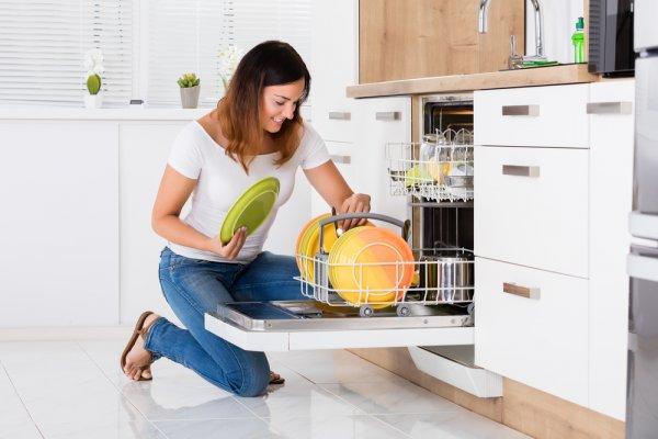 Mesin Cuci Piring, Alat Elektronik Terbaru yang Makin Digandrungi di 2020!