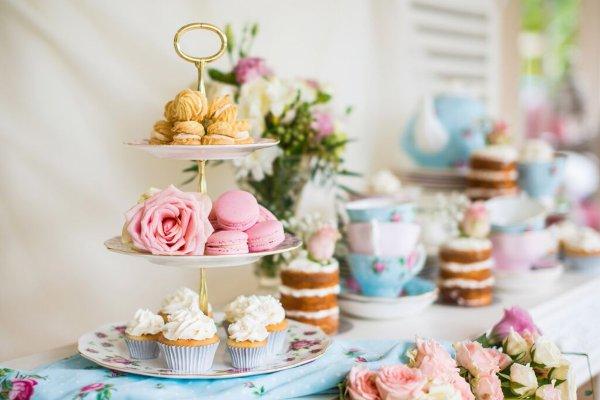 अपनी चाय पार्टी में शामिल करिए यह 10 चाय पार्टी फेवर्स जो दिखने और टेस्ट दोनों में बेहद शानदार है। साथ में चाय पार्टी होस्ट करने के ढेरों टिप्स जो आपकी पार्टी में चार चांद लगा देंगे (2020)