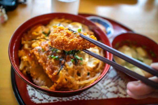 Suka Makanan Khas Cina? Gunakan 7 Rekomendasi Sumpit Unik Ini Agar Santapanmu Semakin Nikmat! (2020)