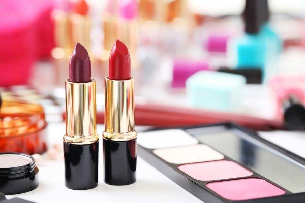 Serius, Warna-warni Cantik 9 Varian Lipstik Maybelline Ini Bisa Bikin Kamu Keracunan dan Makin Mempesona!
