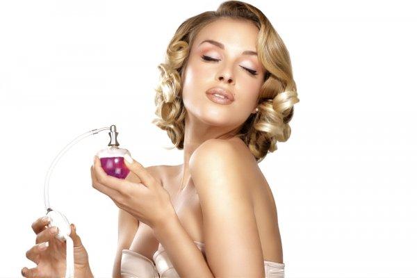 Semakin Memikat dan Menjadi Pusat Perhatian dengan 10+ Parfum Wanita Terbaik