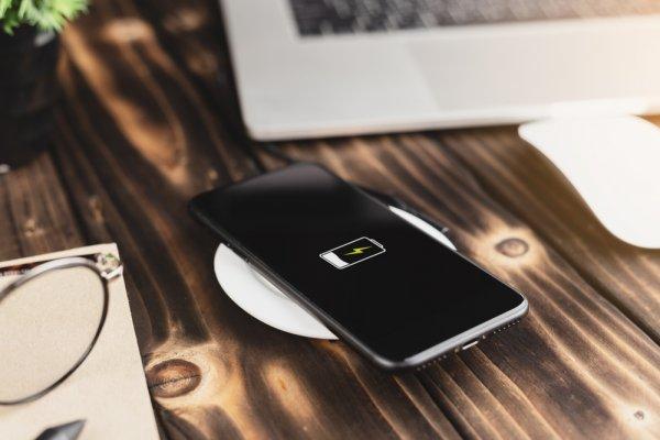 Gak Perlu Ribet Lagi dengan Urusan Kabel! Gunakan 10 Rekomendasi Wireless Charger Berteknologi Tinggi Ini