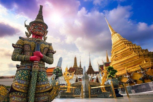 Liburan dengan Budget Terbatas? Tour Bangkok Selama 4 Hari dengan Biaya Murah adalah Solusinya