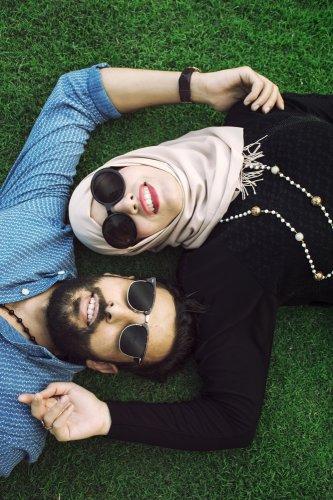 5 Trend Terbaru Baju Couple untuk Lebaran