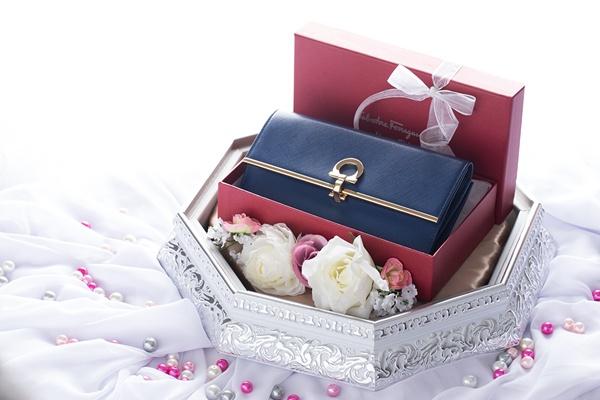 Yuk, Intip 7+ Ide Perlengkapan Seserahan Pernikahan yang Spesial untuk Si Dia