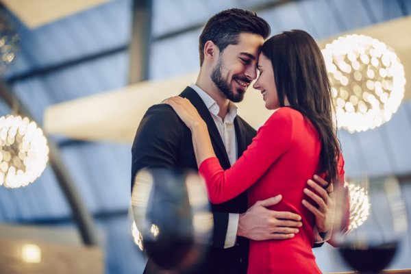 10 Wonderful Gifts For Husband This Valentine's Day To Create Lasting Memories(2019)