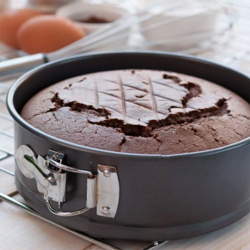 Believe It or Not, You Don't Need an Oven to Bake a Cake(2020): Here is an Easy Pressure Cooker Cake Recipe that can be Made at Home on Special Occasions or to Satisfy Midnight Cravings.