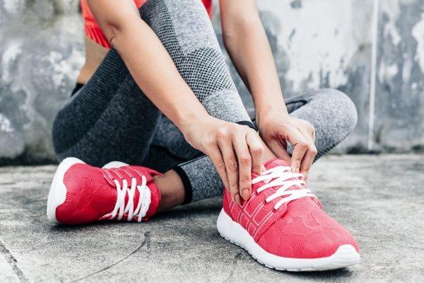 Tampil Selalu Sporty dengan 10+ Sepatu Sport Nike Terbaru 7061b5345b
