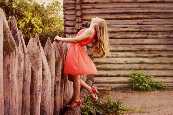 Kata Siapa Tampil Kece Harus Mahal? Yuk, Simak 9 Rekomendasi Pakaian di Bawah Rp 100 Ribu yang Dijamin Berkualitas!