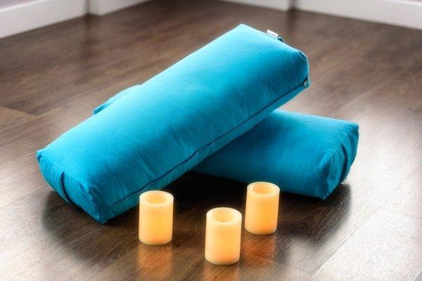 Tak Lengkap Tidur Tanpa Memeluk Guling, Ini 10 Rekomendasi Guling Murah agar Tidur Makin Nyenyak (2020)