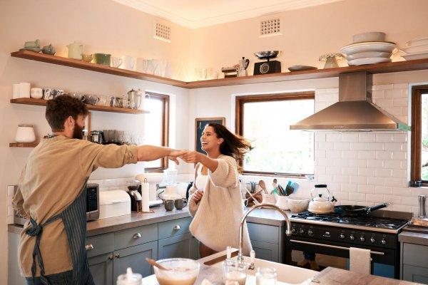 यदि आप अपनी किचन को नया रूप देना चाहती हो,तो 10 सर्वश्रेष्ठ रसोई गैजेट्स जो आपकी रसोई में चार चाँद लगा देंगे। (2021)