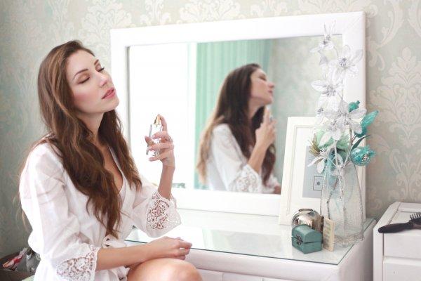 10 Rekomendasi Parfum Bandung Best Seller Paling Diminati Para Wanita Edisi Terbaru 2020
