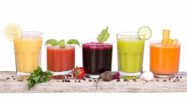 क्या आप शराब रहित रंगीन,ताज़ा ,फलयुक्त पेय ढूंढ रहे हैं,जो गर्मियों के लिए परिपूर्ण हों?10 सबसे अच्छे गैर-मादक पेय बनाने की सरल विधियाँ (2021)