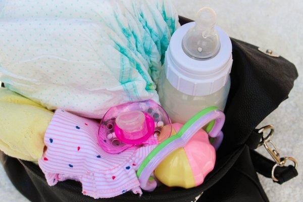 Cara Memilih Tas Perlengkapan Bayi yang Bagus dan 9 Pilihan Tas Bayi Berdasarkan Budget Anda