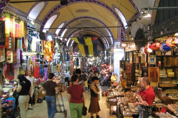 Wondering Where to Go Shopping on Your Next Trip to Hyderabad? Visit Begum Bazaar – The City's Biggest Commercial Market and a Shopper's Paradise (2020)