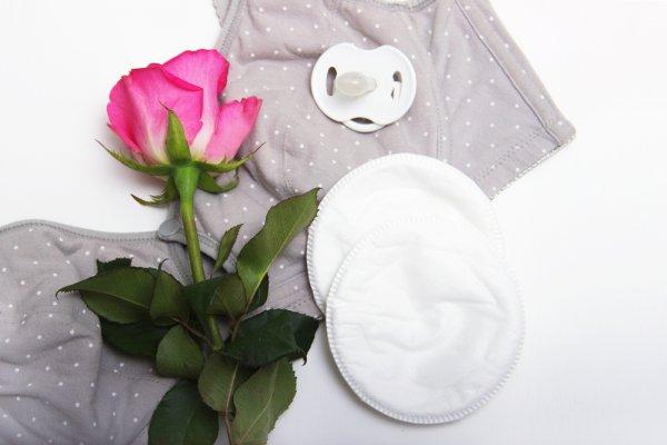 Tidak Nyaman Baju Basah Karena ASI Berlebih? Simak 10 Rekomendasi Breast Pad Terbaik 2019 untuk Ibu yang Sedang Menyusui
