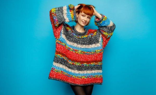 Ingin Tampil Gaya tetapi Malas Dandan? 6 Rekomendasi Oversized Sweater Ini Bisa jadi Pilihan Tepat, lho!