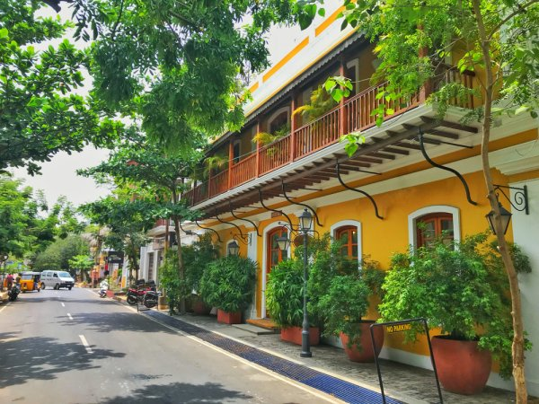 If You are Planning a Trip to Pondicherry in 2020, These are the Places to Visit for Foodies, Beach Bums and Shopaholics!