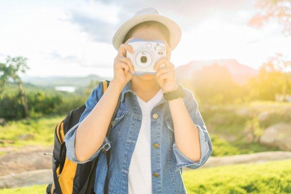 10 Rekomendasi Kamera Polaroid Terbaik 2018 yang Pantas Kamu Bawa ke Mana-mana!