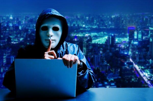 Jelang Halloween, Lengkapi Kostummu dengan 10 Rekomendasi Topeng Hacker yang Misterius Ini (2020)