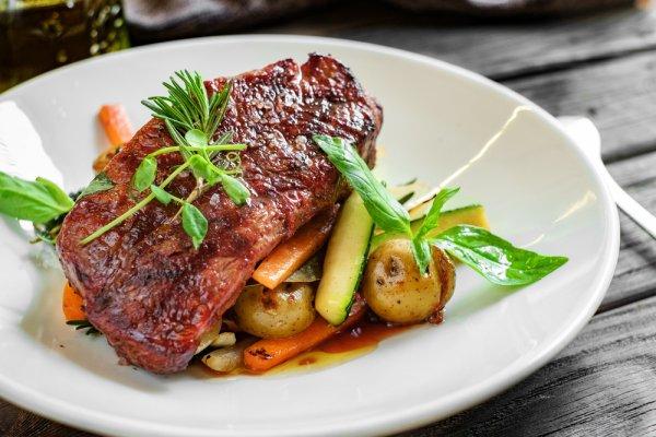 10 Resep Olahan Daging Sapi Nikmat dan Juicy, Dijamin Bakal Menggoyang Lidah