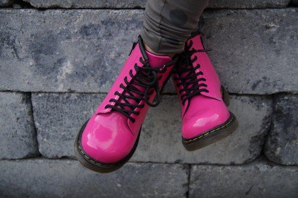 10 Rekomendasi Sepatu Docmart yang Nggak Bakal Bikin Penampilanmu Jadi Mati Gaya