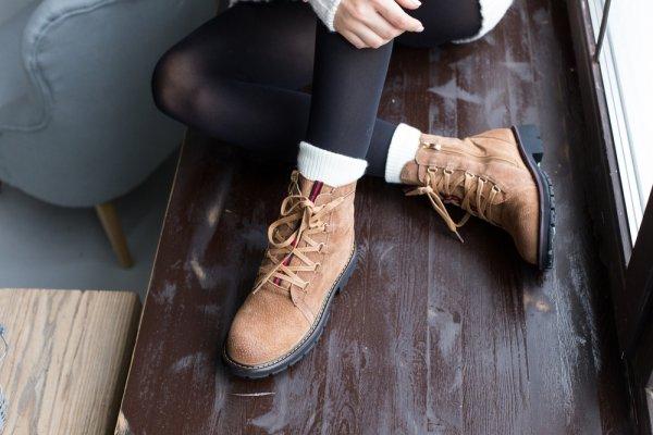 14+ Rekomendasi Sepatu H&M yang Nyaman dan Tak Membuat Kaki Lecet Meski Beraktivitas Seharian
