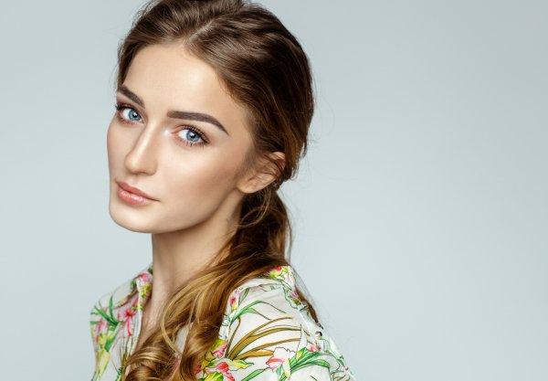 Tampil Cantik dan Percaya Diri dengan 7 Cara Simpel Make up Minimalis yang Tetap Menawan