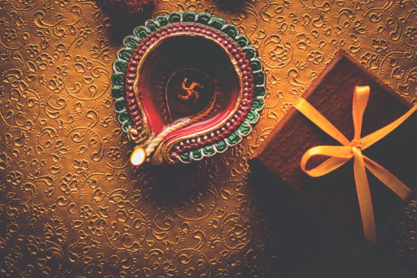 Have a Brighter Diwali with the Trendiest Gifts: 18 Diwali Gift Ideas for 2019