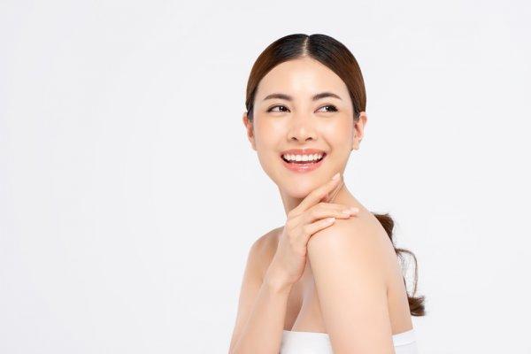 10 Rekomendasi Cream Pemutih Wajah yang Aman dan Bagus untuk Wanita Indonesia (2021)