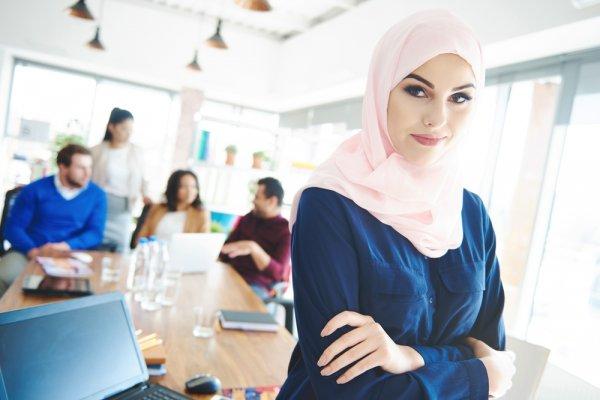 Engga Pengen Ketinggalan Mode? Pakai 10 Model Baju Muslim Modern Yang Inspiratif Ini!