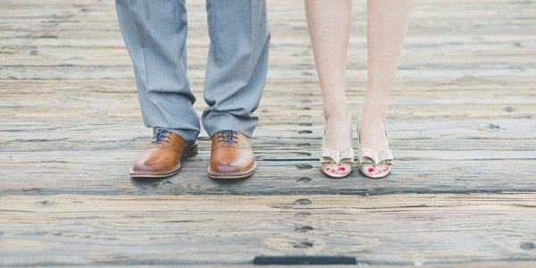 Tampil Elegan dengan 10 Rekomendasi Sepatu Kulit untuk Pria dan Wanita (2020)