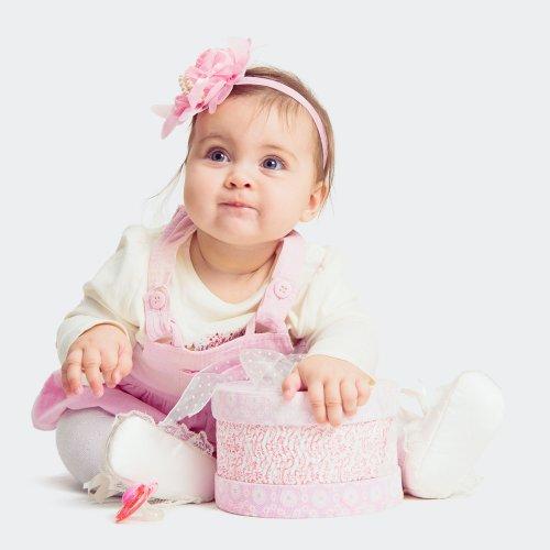 11 Rekomendasi Kado Terbaik untuk Bayi Perempuan dan Tips Memilih Kado yang Cocok untuk Bayi Usia 1 Tahun
