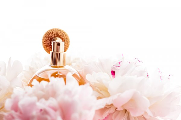 10 Rekomendasi Parfum Victoria's Secret yang Bikin Makin Percaya Diri (2021)