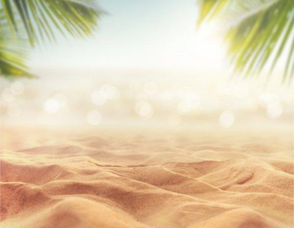 Hobi Liburan ke Pantai? Yuk, Baca Tips dan 10 Destinasi Keren yang Bisa Dituju!