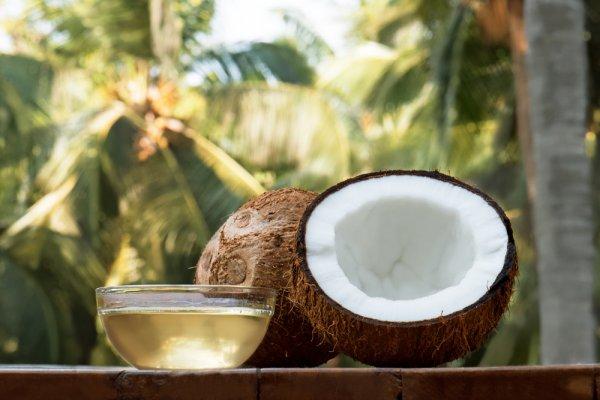 Gợi ý 10 sản phẩm làm đẹp bằng dầu dừa tiết kiệm mà hiệu quả (năm 2021)
