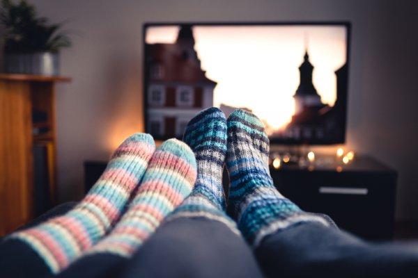 Butuh TV Keren Harga Terjangkau? Cek 10 Rekomendasi TV Polytron Terbaik Berikut (2021)