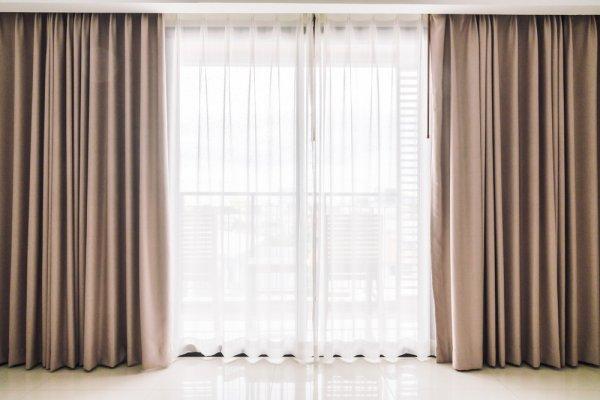 10 Rekomendasi Tirai Pintu Kamar Paling Favorit untuk Mempercantik Ruangan (2020)