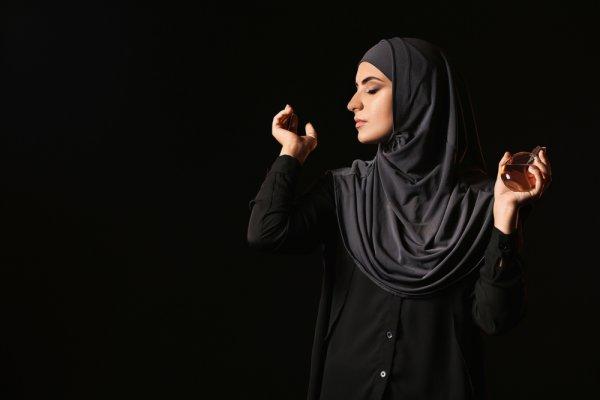 Wangi Sepanjang Hari dengan Aroma Mewah dari 10 Rekomendasi Parfum Arab Ini (2021)