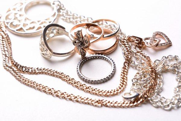 Bingung Mencari Hadiah Murah? 7 Perhiasan Satu Set Ini Bisa Menjadi Pilihan