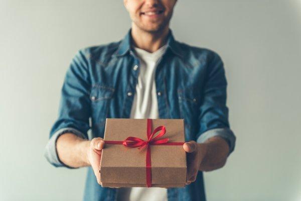 Bingung Cari Ide Hadiah Perpisahan untuk Rekan Kerjamu? Coba Deh 10 Inspirasi Berikut!