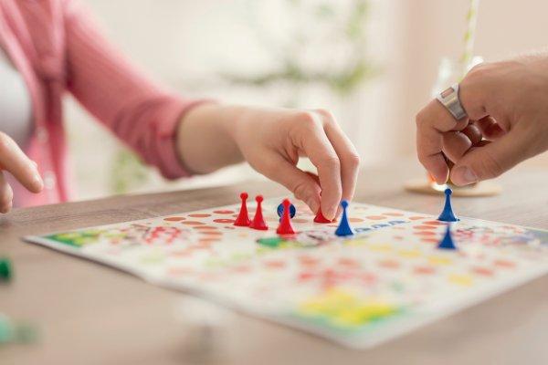 Momen Ngumpul Jadi Makin Seru dengan 10 Rekomendasi Mainan Anak Remaja Ini (2021)